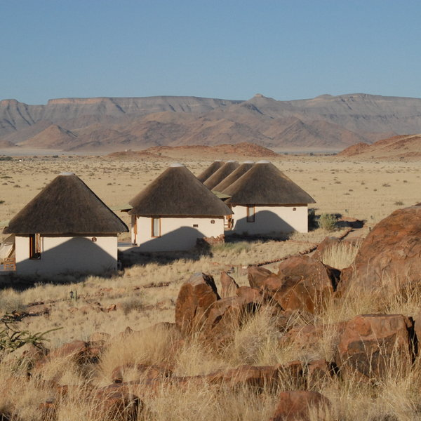 desert homestead picture gallery desert homestead is situated in a ...: http://expertafrica.com/namibia/namib-naukluft-national-park/desert-homestead/our-pictures